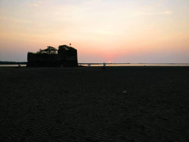 ©flyingonemptythoughts kelva kelwa beach