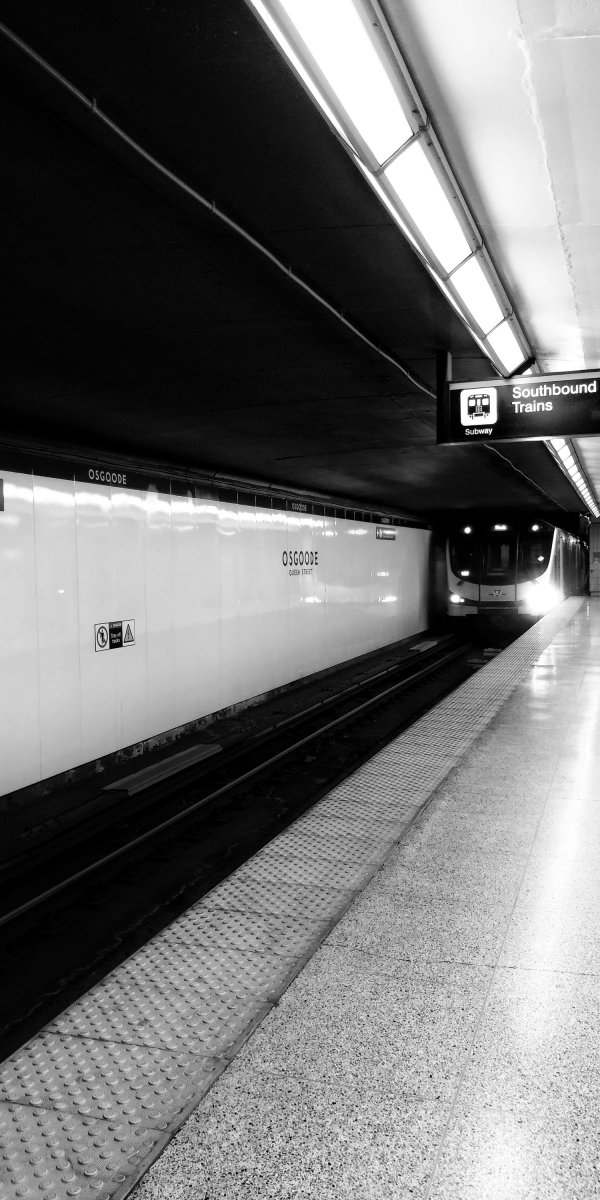 flyingonemptythoughts toronto black and white photography #Toronto #photography